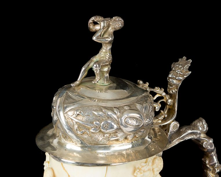 A Nuremberg Silver Tankard, cylindrical shape with one handgrip, rich cast and f…