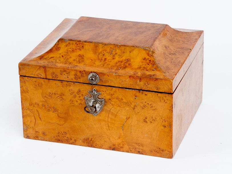 Vienna Sewing Box, rectangular shape with one lid and arched top, poplar wood ve…