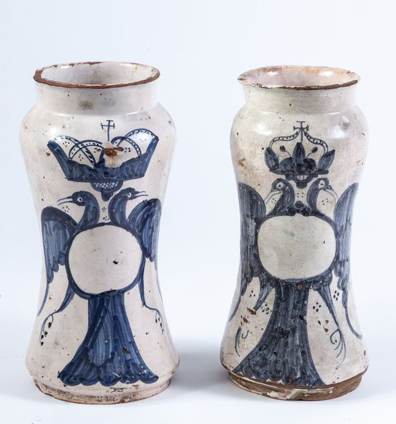 A pair of blue and white enamelled earthenware pharmacy jars, 18th Century  24 c…