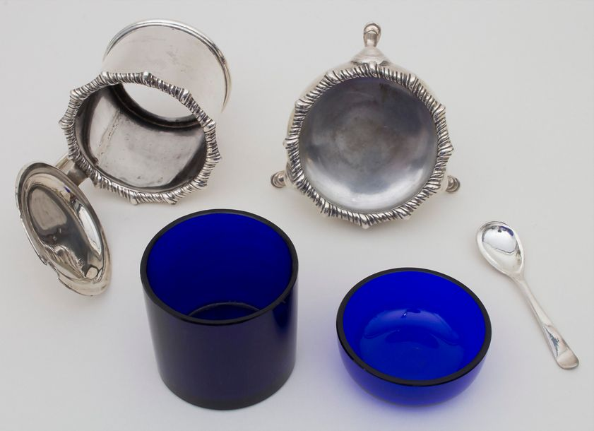 Senftopf & Saliere / A silver mustard set and an open salt, James Dixon & Sons, …