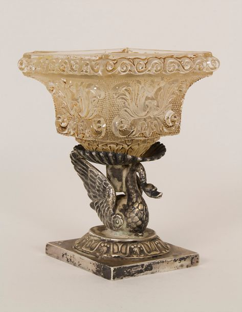 Empire Saliere mit Schwan / An Empire silver open salt with a swan, Pierre Jacqu…
