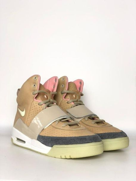 Nike X Kanye West Air Yeezy 1 « Net Tan » Paire de sneaker issue de la collabora…