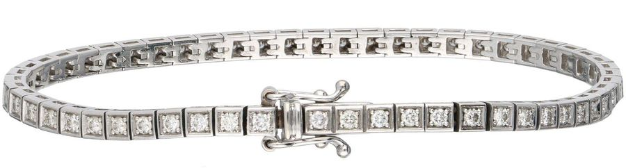 White gold tennis bracelet, with approx. 1.68 ct diamond 14 ct. With two safety …