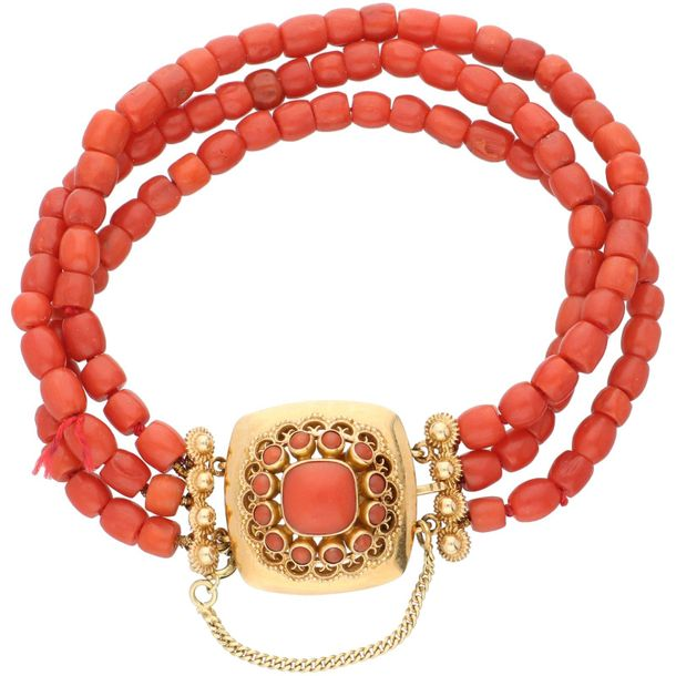 Three row red coral bracelet with a yellow gold closure 14 ct. Master mark: pres…