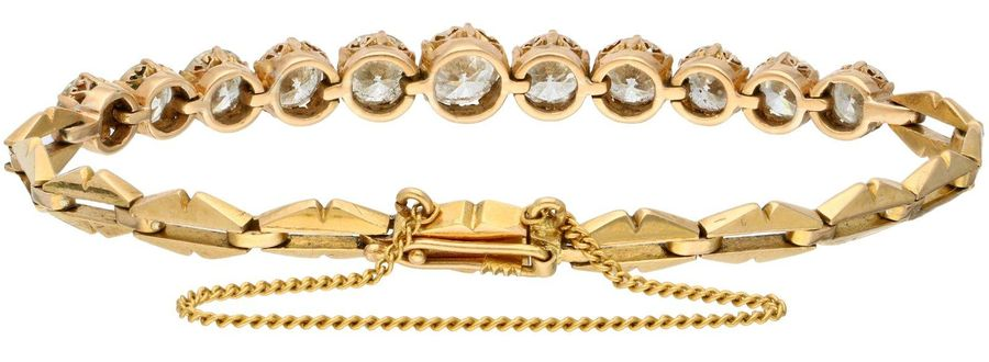 Yellow gold bracelet, with approx. 4.41 ct diamond 18 ct. Closure with safety cl…