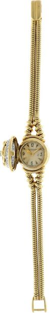 Jaeger LeCoultre Ladies watch Approx. 1960. Case: 18 ct gold Strap: 18 ct gold H…