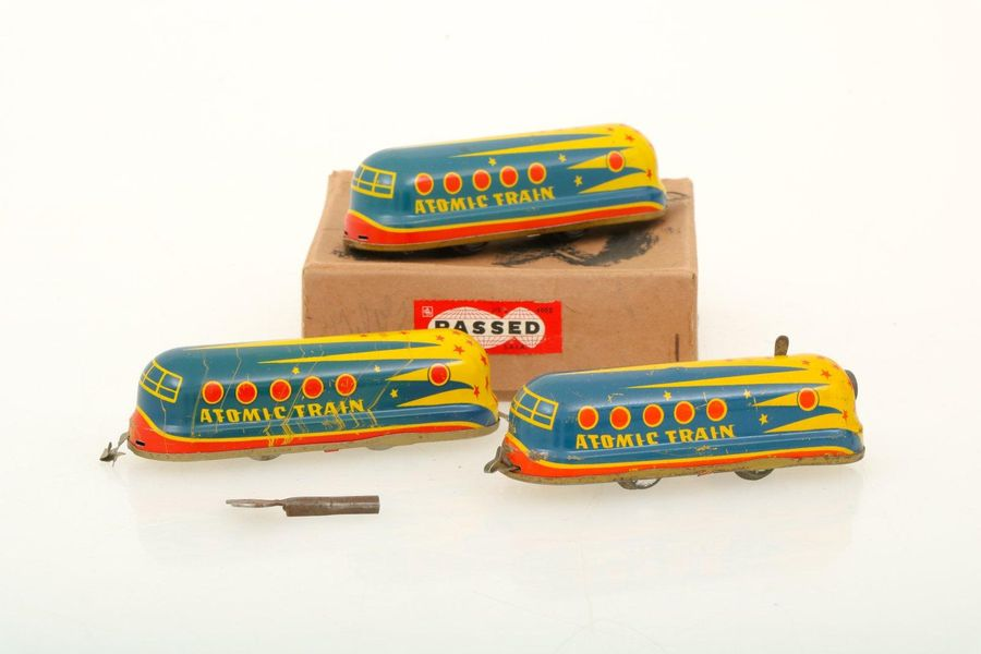 Atomic train space tole toy. In very good condition, 3 piece with original box. …