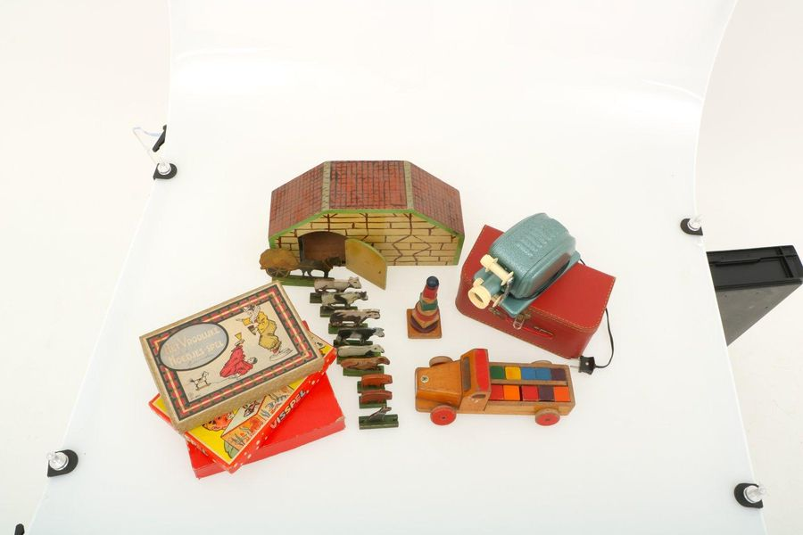 A large lot with various old toys. A.W. A Laterna Magica or magic lantern, fishi…