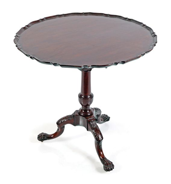IRISH 18TH CENTURY MAHOGANY SILVER TABLE Circa 1760, the circular serpentine sha…