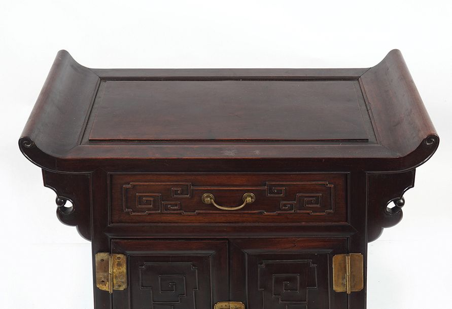 CHINESE QING PERIOD SCROLL CABINET the rectangular panelled scroll end top, abov…