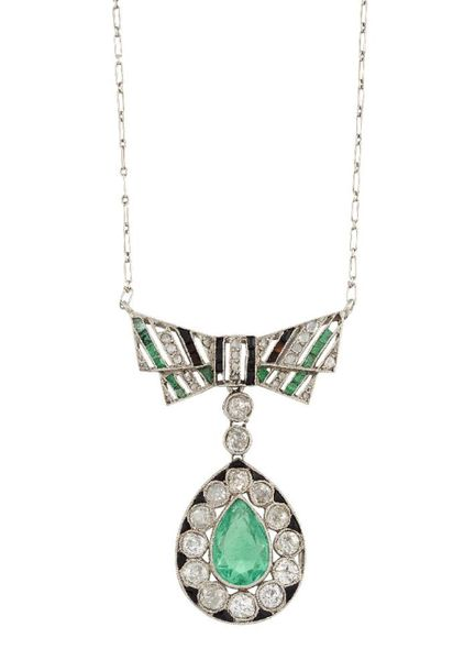 A Belle Epoque, emerald, diamond and onyx bow pendant necklace, designed as a pe…