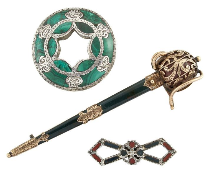 A 19th century Scottish, gold and agate basket hilted sword brooch, the hilt set…