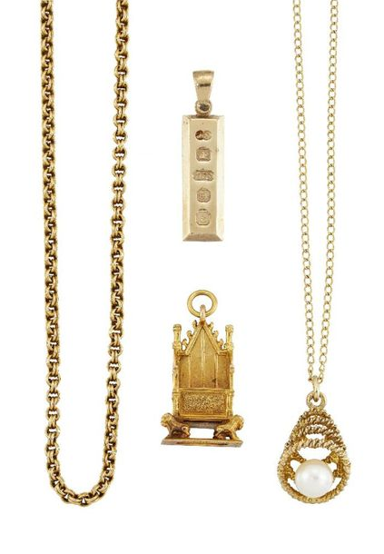 A group of jewellery comprising: a Victorian reeded belcher link gold neckchain,…