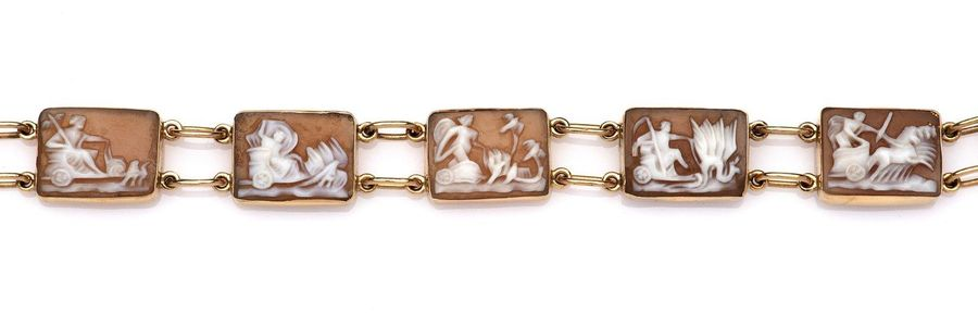 A 14k gold cameo bracelet A 14k gold cameo bracelet, Set with a series of rectan…
