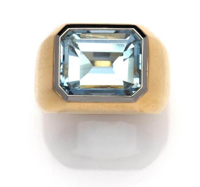 An 18k gold aquamarine ring, by Steltman An 18k gold aquamarine ring, by Steltma…