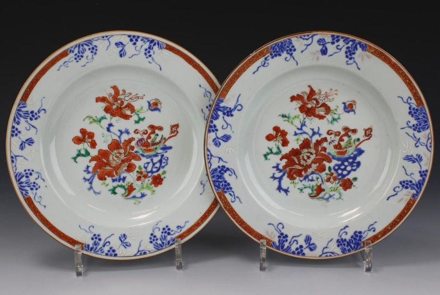 A pair of florally enameled plates A pair of florally enameled plates, 18th cent…