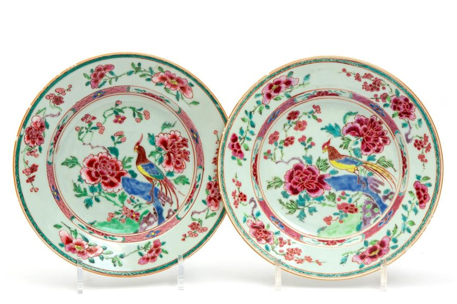 Two famille rose bird plates Two famille rose bird plates, Yongzheng/Qianlong pe…