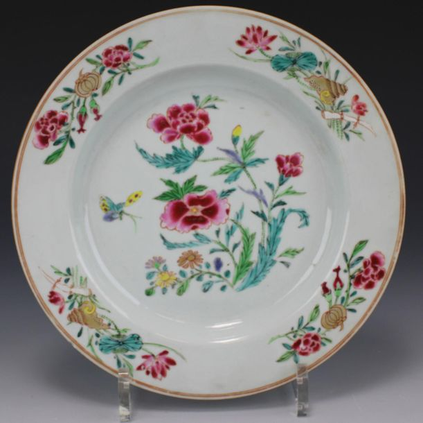 A set of six famille rose plates A set of six famille rose plates, Qianlong peri…