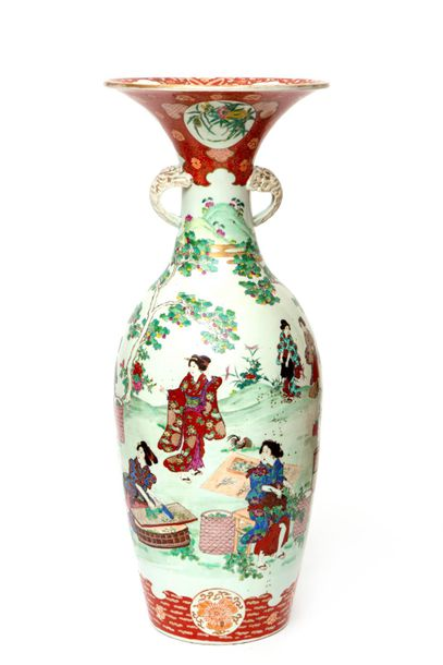 A large Japanese Arita porcelain vase with figures A large Japanese Arita porcel…