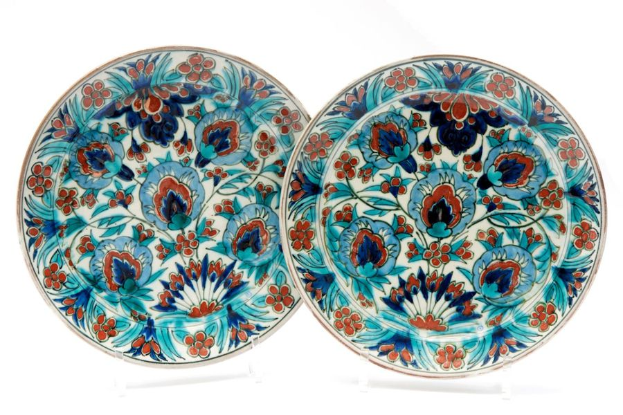 "Two Delft Porceleyne Fles decorative plates, ""Nieuw Delfts"" Two Delft Porceleyne…"