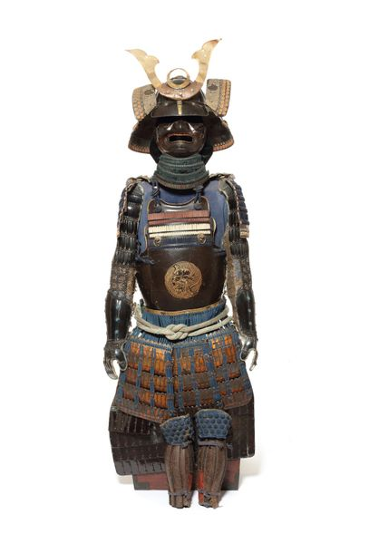 A composite armour A composite armour   Comprising a sixteen plate black lacquer…