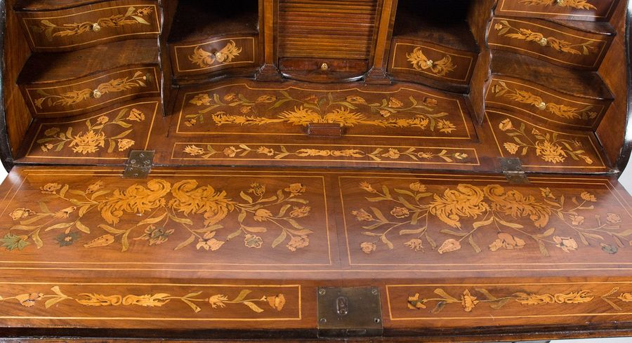 Carved and lacquered wooden bureau. Netherlands. First half of the 18th century.…