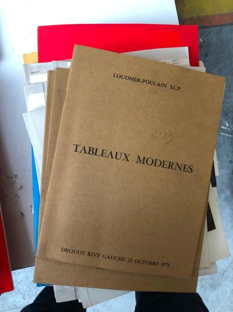 Important ensemble de catalogues de vente modernes
