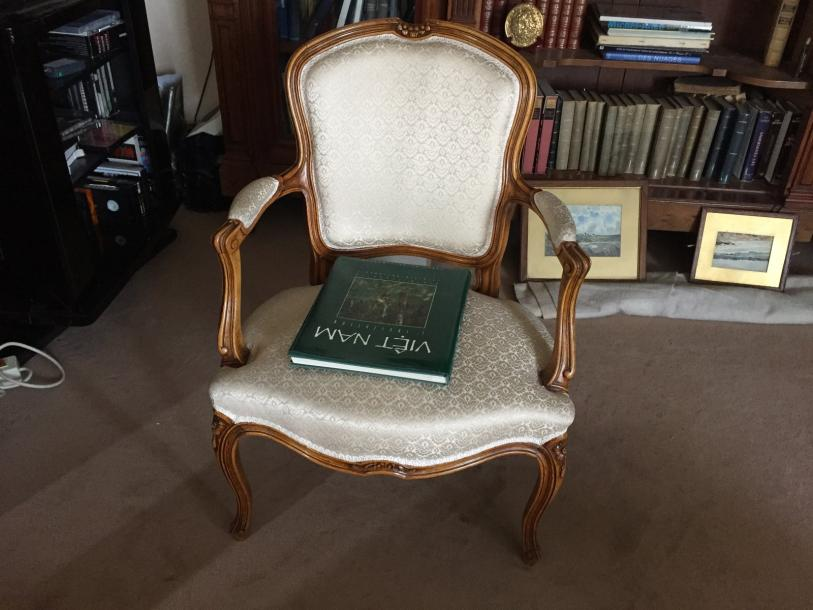 Fauteuil cabriolet, style Louis XV