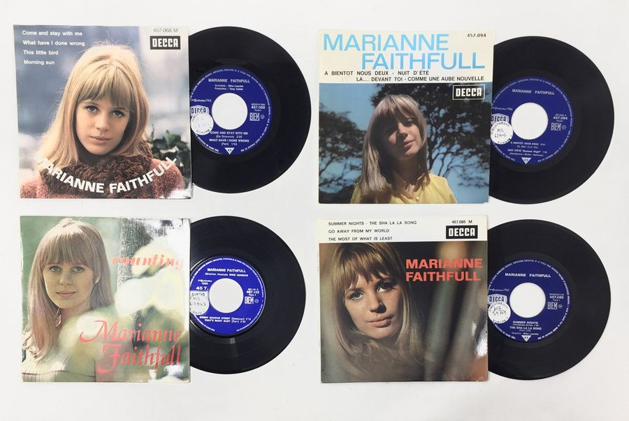 CHANTEUSES INTERNATIONALES Lot de 4 Eps de Marianne Faithfull. Set of 4 Eps of Marianne…
