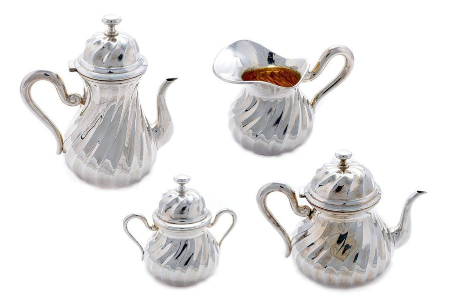 Tea and coffee service in 800 silver and vermeilItaly, late 20th centuryconsisti…