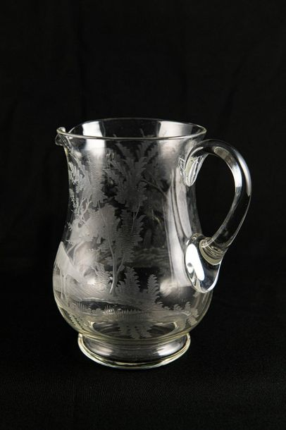 Crystal carafeengraved in landscape with deer h 20 cm