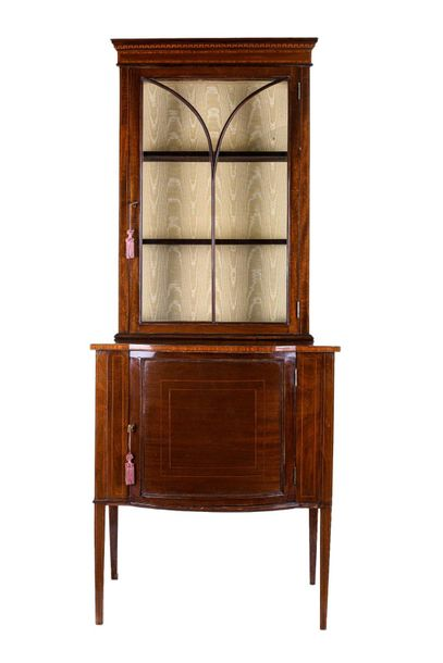 Small bookcase in mahogany woodEngland, mid 19th centuryfruit wood threads, with…