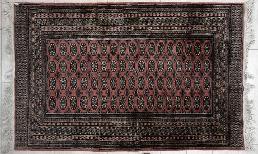 Classic Pakistani Bukara carpet late 20th centuryhandmade carpet, cashmere wool,…