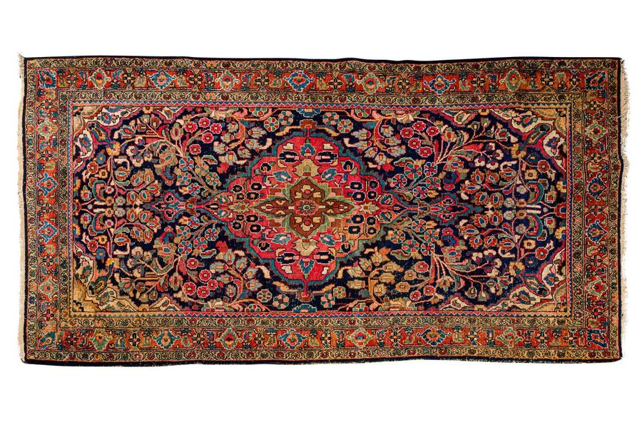 Persian Bigiar carpet early 20th centurywool on cottontired298 x 149 cm