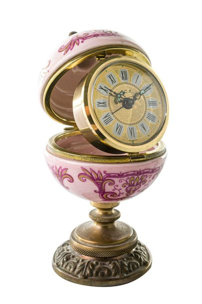 Table clock A.C.F.West Germany, second half of the 20th centuryround base in bro…