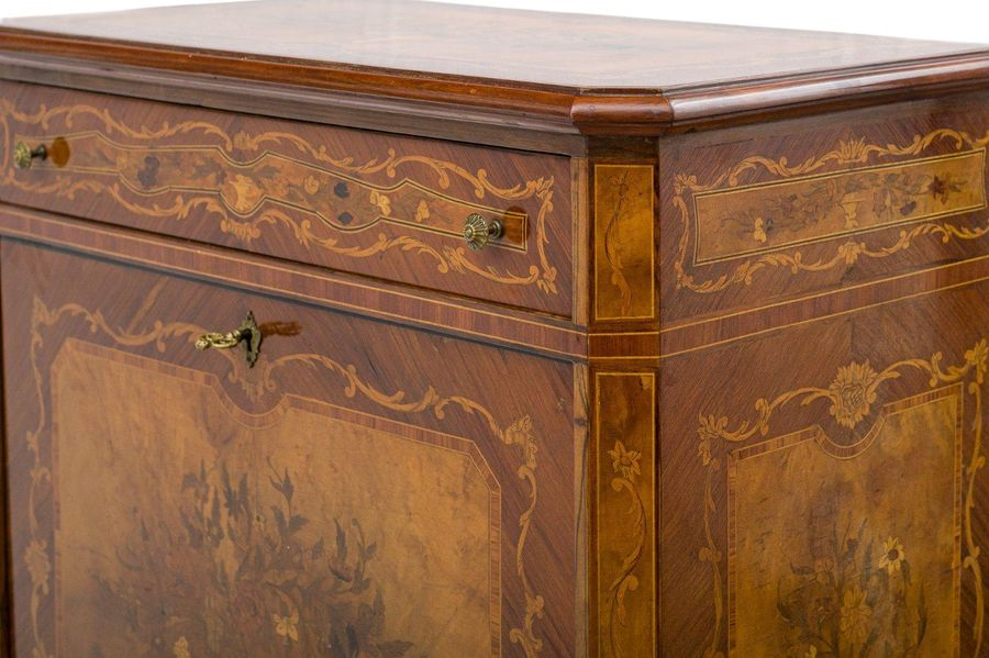 Rosewood veneered bar cabinetLombard manufacture, second half of the 20th centur…