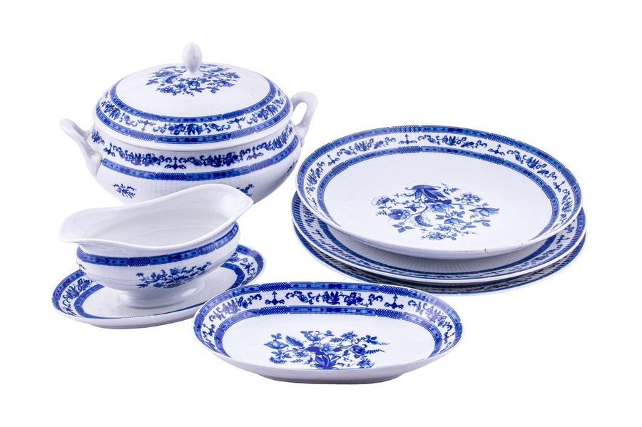 Lot of six pieces in Winterling porcelainGermany, 20th century consisting of a t…