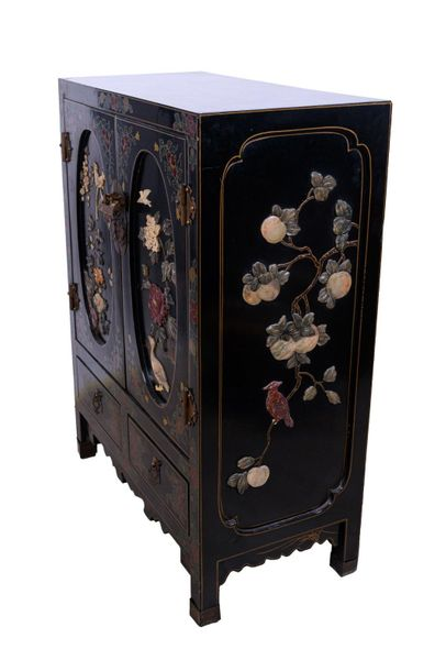 Cabinet in black lacquered woodChina, mid 20th century with two doors and two dr…