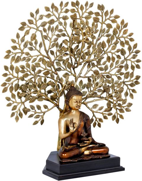 The essence of the sight of this statue is as pure as the Buddha himself, sittin…