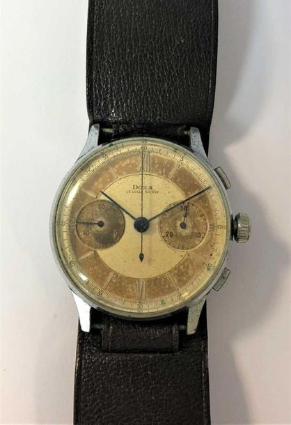 C1944, the signed two tone (cream and tan) dial, 35mm diameter, with cream Roman…