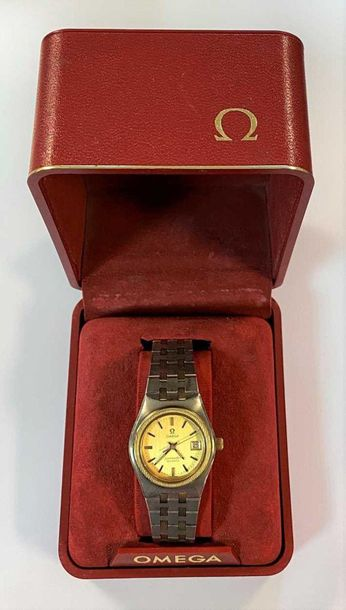 C1978, model 1360, serial number 41 157 820, the signed champagne dial, 23mm dia…