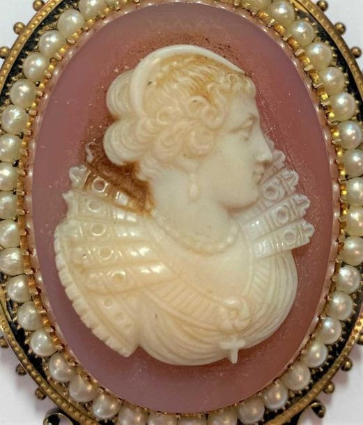 The first, a larger brooch featuring a bust portrait of a lady, seed pearl and b…