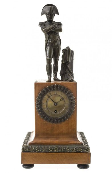 Chest of drawers watch with NapoleonFrance, around 1850. Napoleon's bronze bronz…