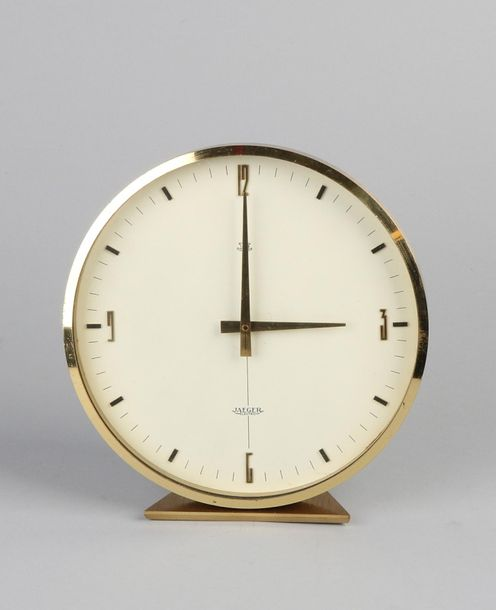 Table clock Jaeger Le Coultre Electric table clock. 60s / 70s. Brass + metal. Si…