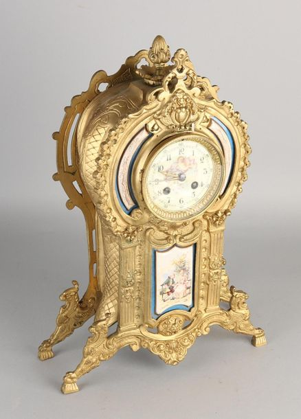 Antique French mantel clock Antique French gilt Louis Philippe mantel clock with…