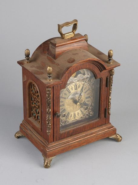 Warmink clock Oak Warmink table clock with moon phase and bronze decorations. Se…