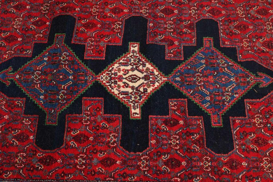 Persian rug, 120 x 166 cm. Hand knotted Persian rug, karde, red in color with a …