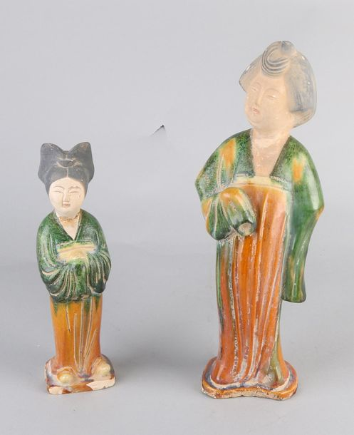 2x Chinese sculptures Two Chinese terracotta glazed figures. Chinese women. Some…