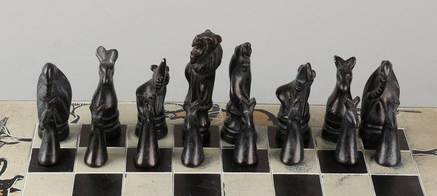 Natural stone chess set with ceramic chessboard.South Africa.Size: 10 x 35 x 3…