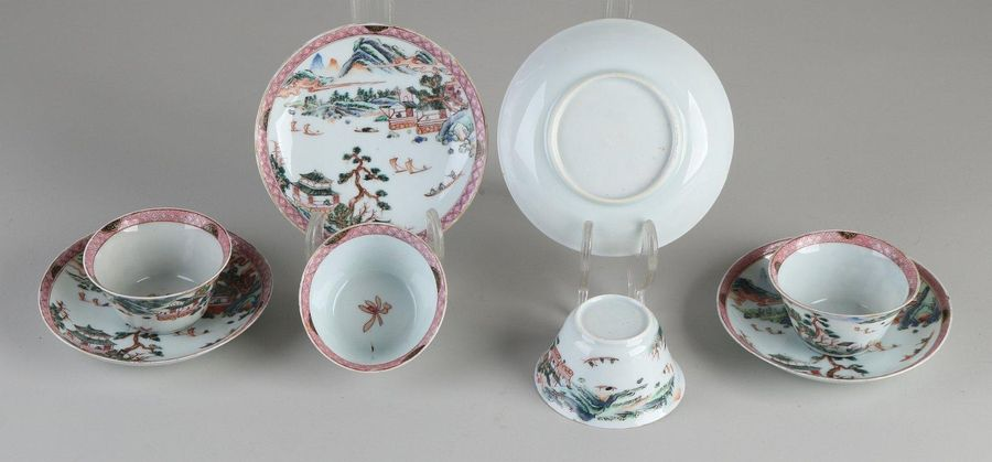 Four 18th 19th century Chinese porcelain cups and saucers with a river view / bo…